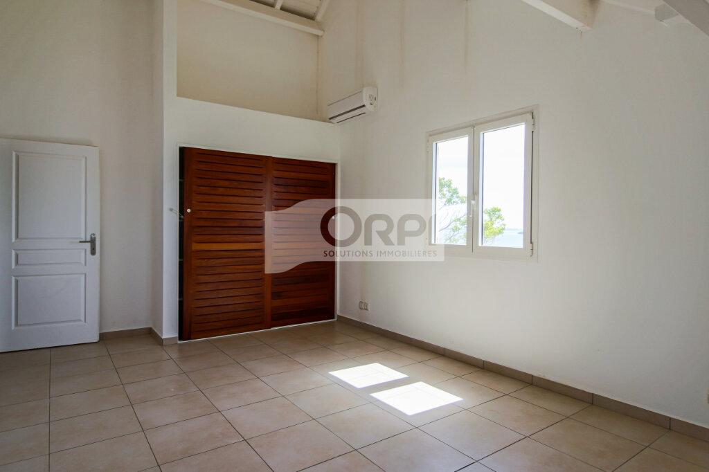 Appartement à louer 4 117.78m2 à Petit-Bourg vignette-13