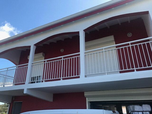Appartement à louer 3 84m2 à Le Moule vignette-1