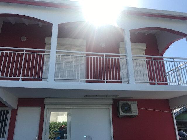 Appartement à louer 3 73m2 à Le Moule vignette-2