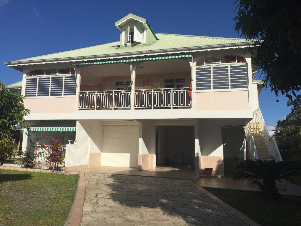 Maison à vendre 8 328m2 à Baie-Mahault vignette-1