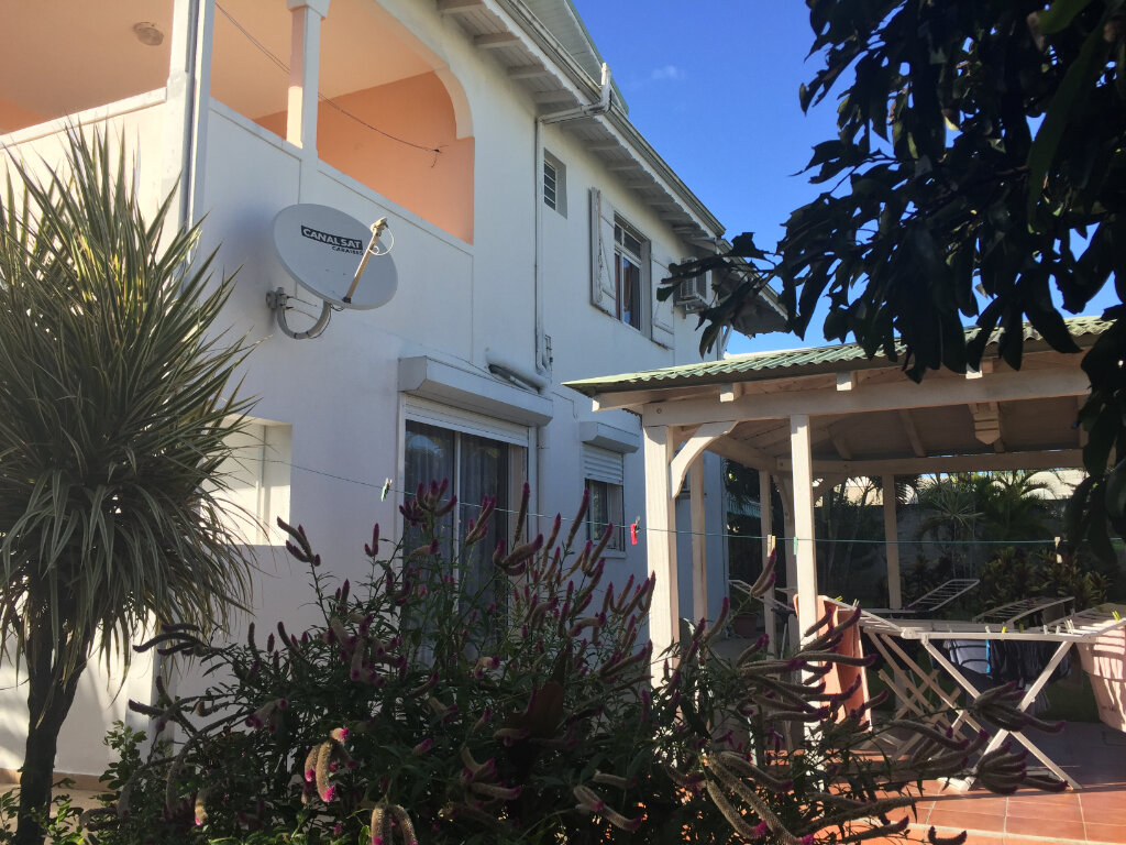Maison à vendre 8 328m2 à Baie-Mahault vignette-5
