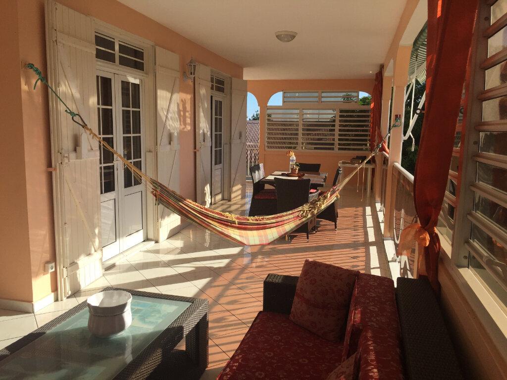 Maison à vendre 8 328m2 à Baie-Mahault vignette-7