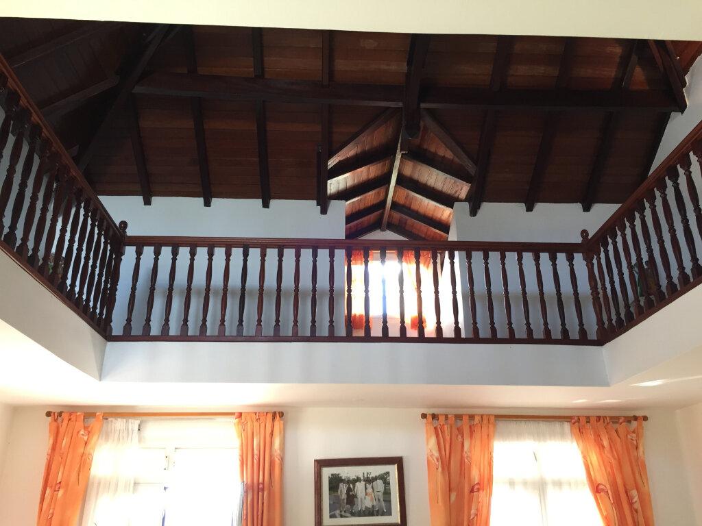 Maison à vendre 8 328m2 à Baie-Mahault vignette-9
