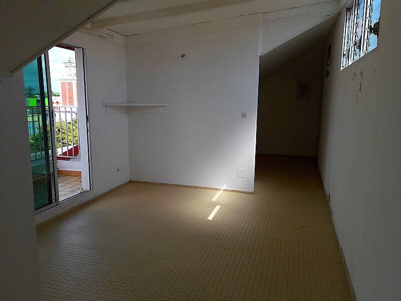 Appartement à louer 1 23m2 à Le Moule vignette-1