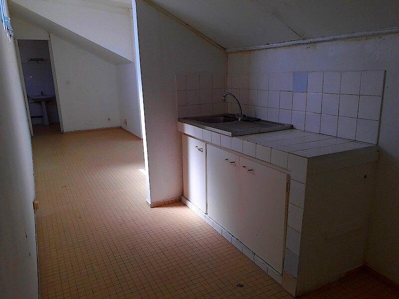 Appartement à louer 1 23m2 à Le Moule vignette-2