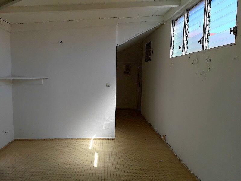 Appartement à louer 1 23m2 à Le Moule vignette-5
