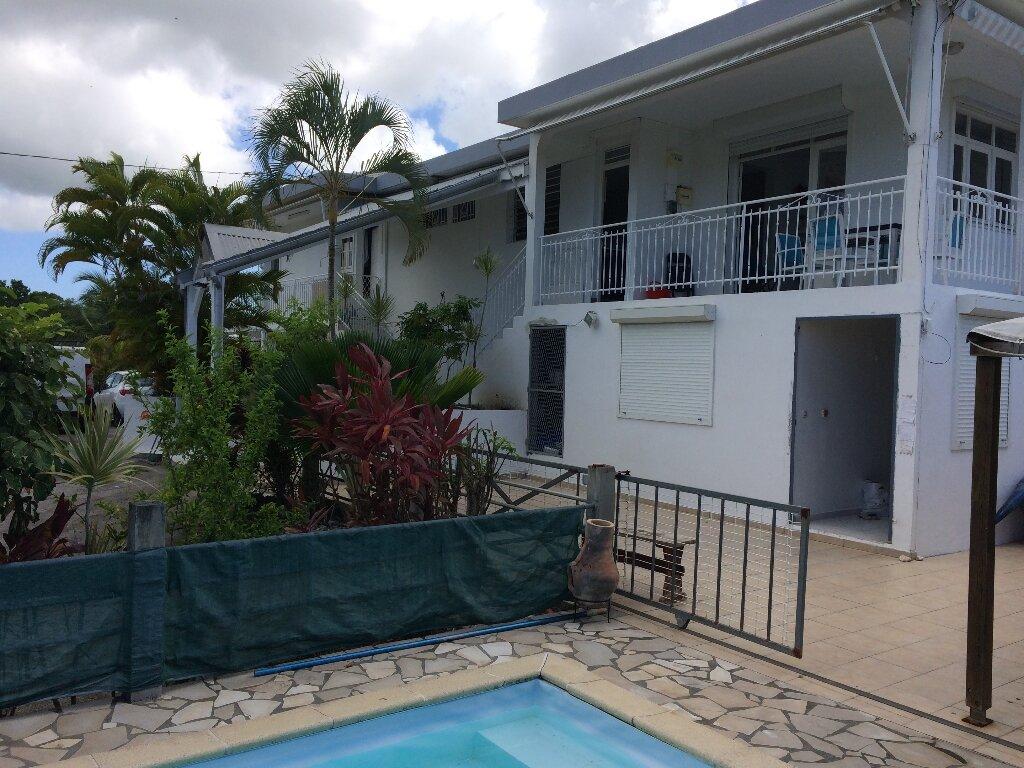 Maison à vendre 4 358.53m2 à Sainte-Anne vignette-1