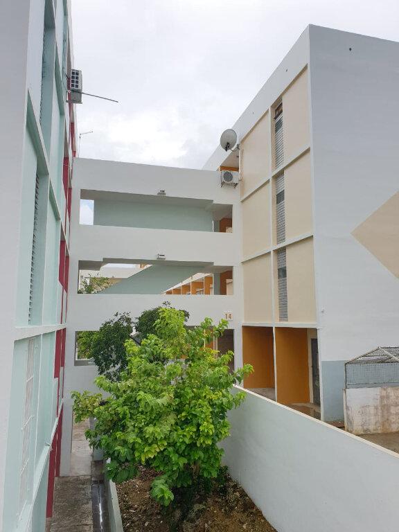 Appartement à louer 4 63m2 à Les Abymes vignette-1