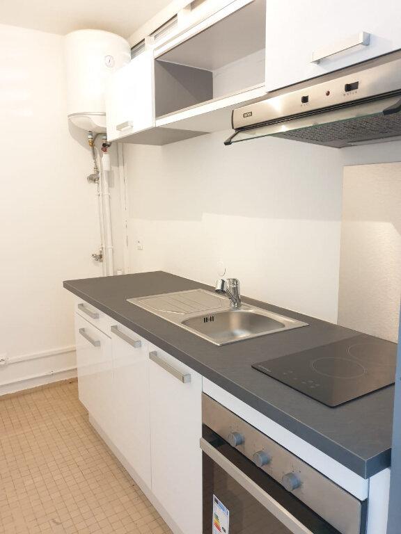 Appartement à louer 4 63m2 à Les Abymes vignette-4