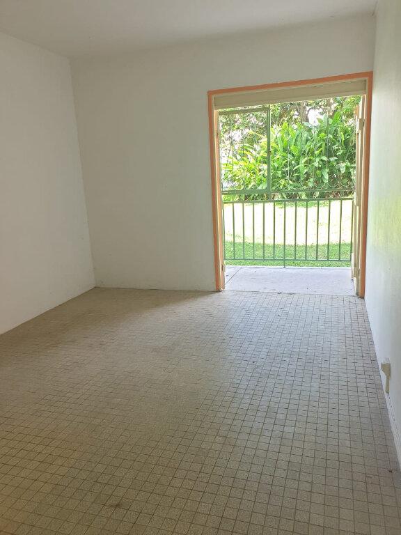 Appartement à louer 3 51.34m2 à Les Abymes vignette-2