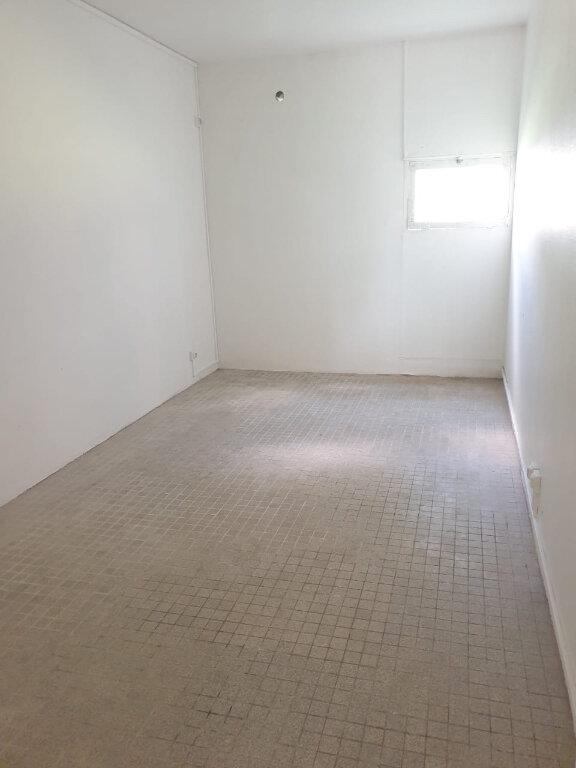 Appartement à louer 3 51.34m2 à Les Abymes vignette-5