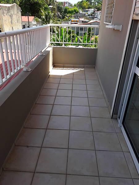 Appartement à louer 3 45m2 à Pointe-à-Pitre vignette-11