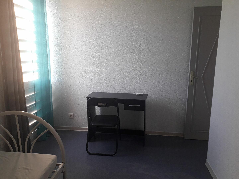 Appartement à louer 5 88m2 à Pointe-à-Pitre vignette-7