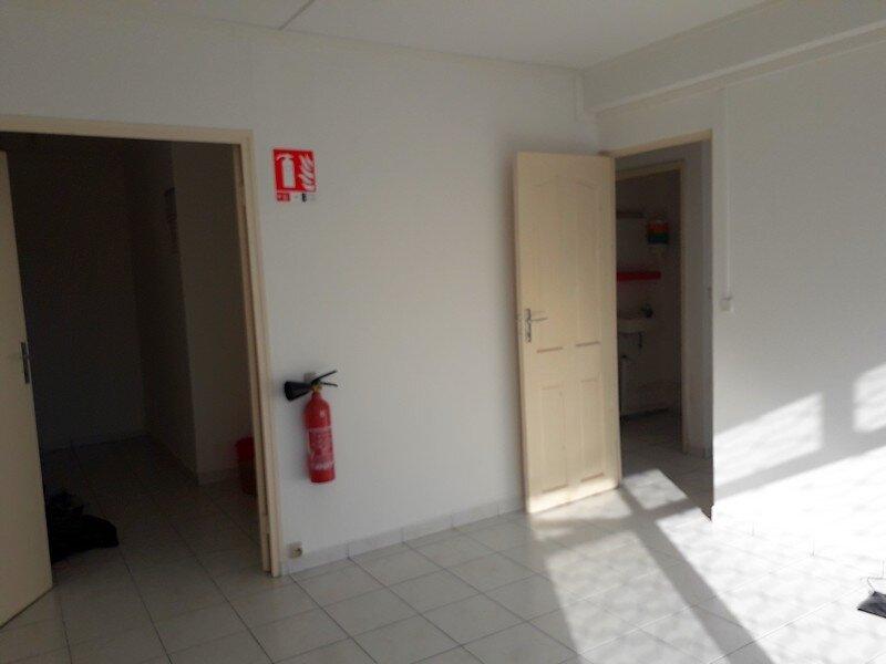 Appartement à louer 3 50m2 à Les Abymes vignette-3