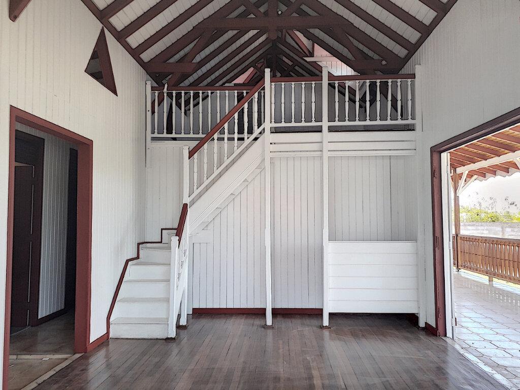 Maison à louer 7 132.66m2 à Saint-François vignette-2