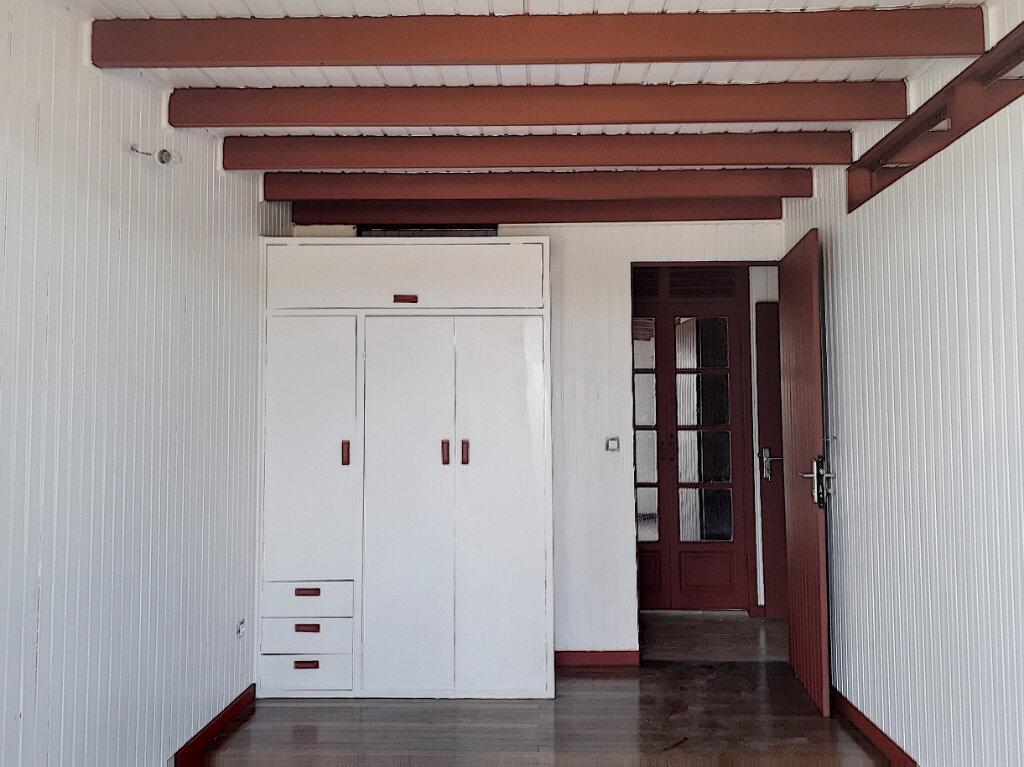 Maison à louer 7 132.66m2 à Saint-François vignette-7