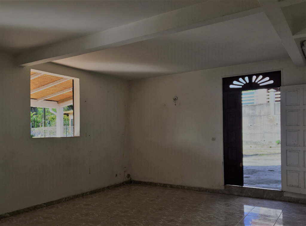 Appartement à louer 2 63m2 à Morne-à-l'Eau vignette-4