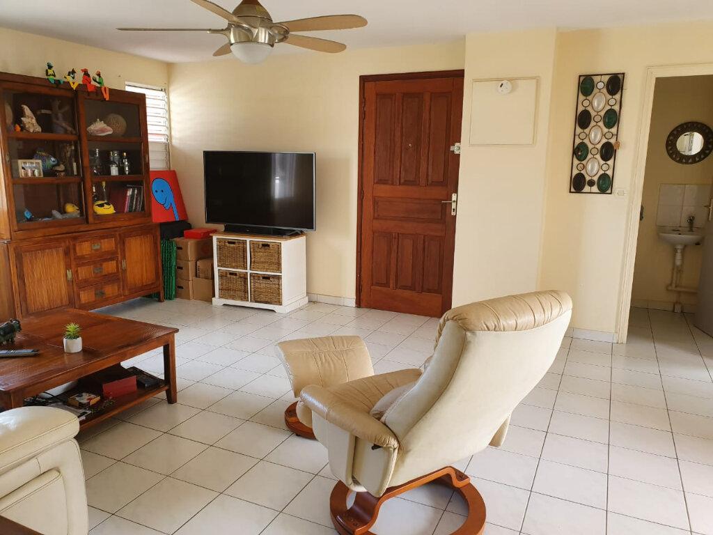 Appartement à louer 2 49m2 à Baie-Mahault vignette-1
