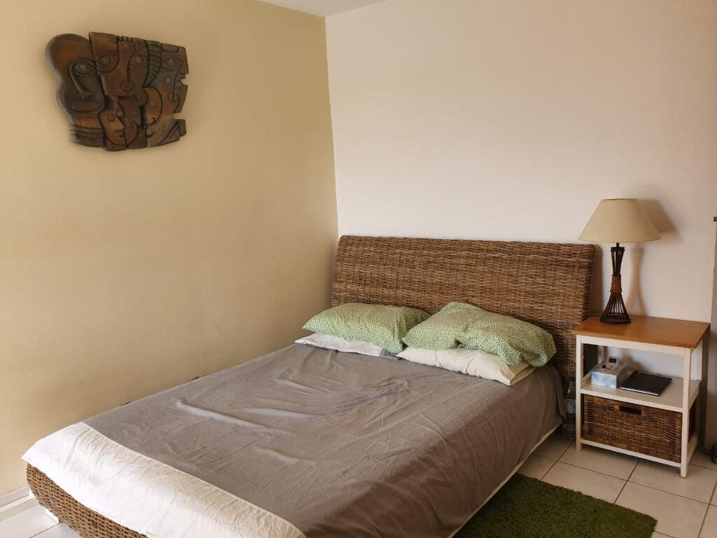 Appartement à louer 2 49m2 à Baie-Mahault vignette-4