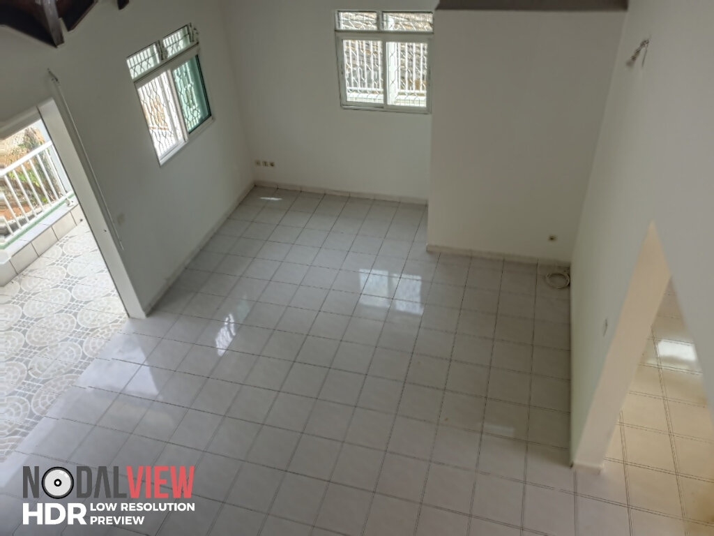 Appartement à louer 4 111m2 à Lamentin vignette-3