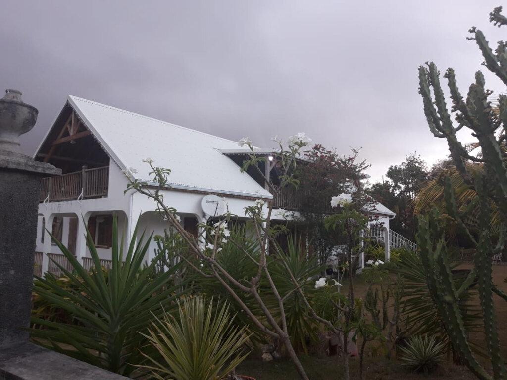 Maison à louer 4 130m2 à Sainte-Anne vignette-8