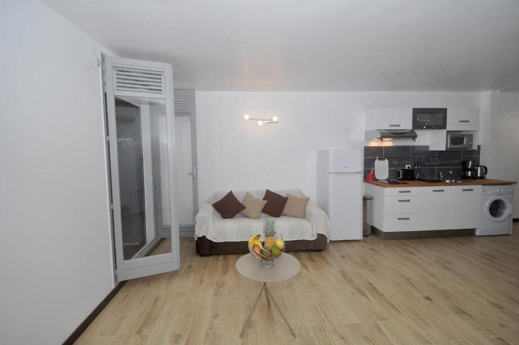 Appartement à louer 2 42m2 à Le Gosier vignette-3