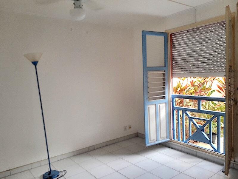 Appartement à louer 3 50m2 à Le Gosier vignette-7