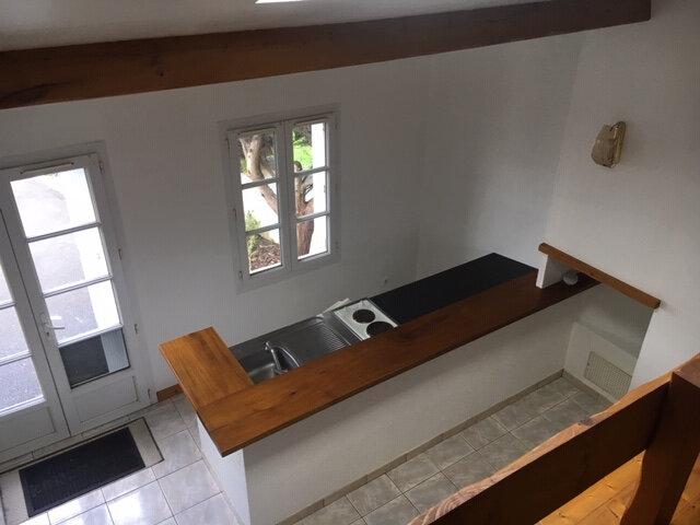 Maison à louer 2 31m2 à Rochefort vignette-1