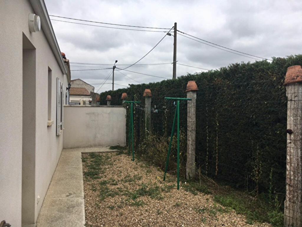 Maison à louer 3 49.5m2 à Tonnay-Charente vignette-3