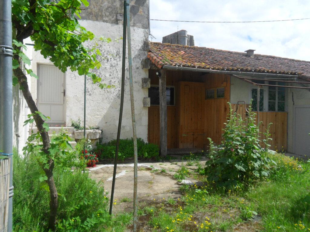 Maison à vendre 4 100m2 à Saint-Jean-d'Angle vignette-7