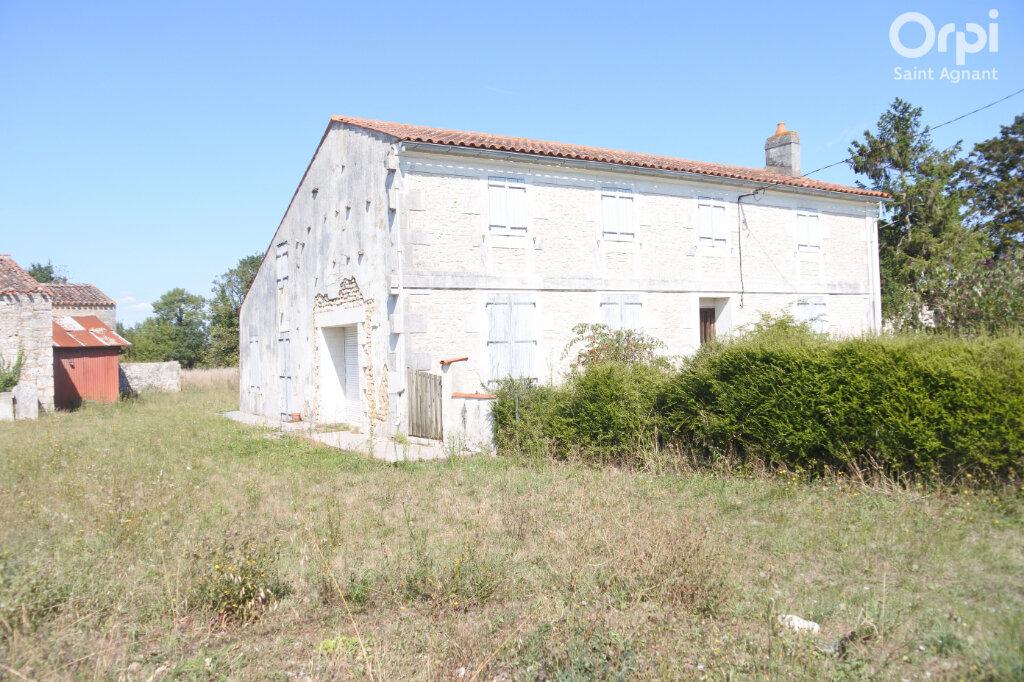 Maison à vendre 5 174m2 à Saint-Hippolyte vignette-1