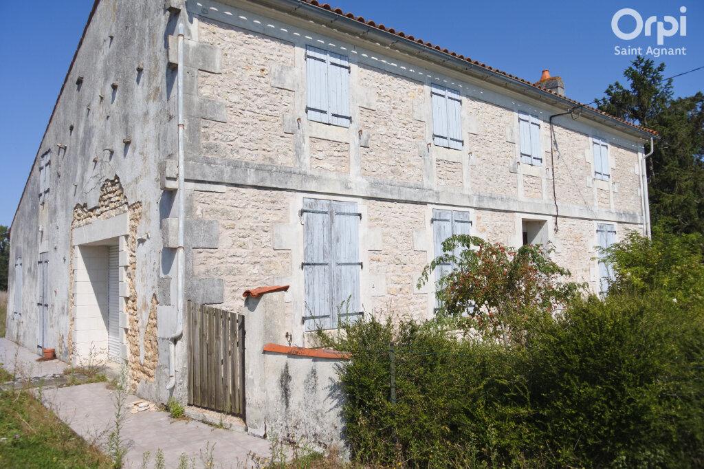 Maison à vendre 5 174m2 à Saint-Hippolyte vignette-2