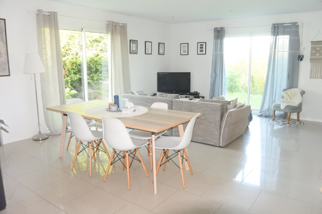 Maison à vendre 6 155m2 à Saint-Agnant vignette-1