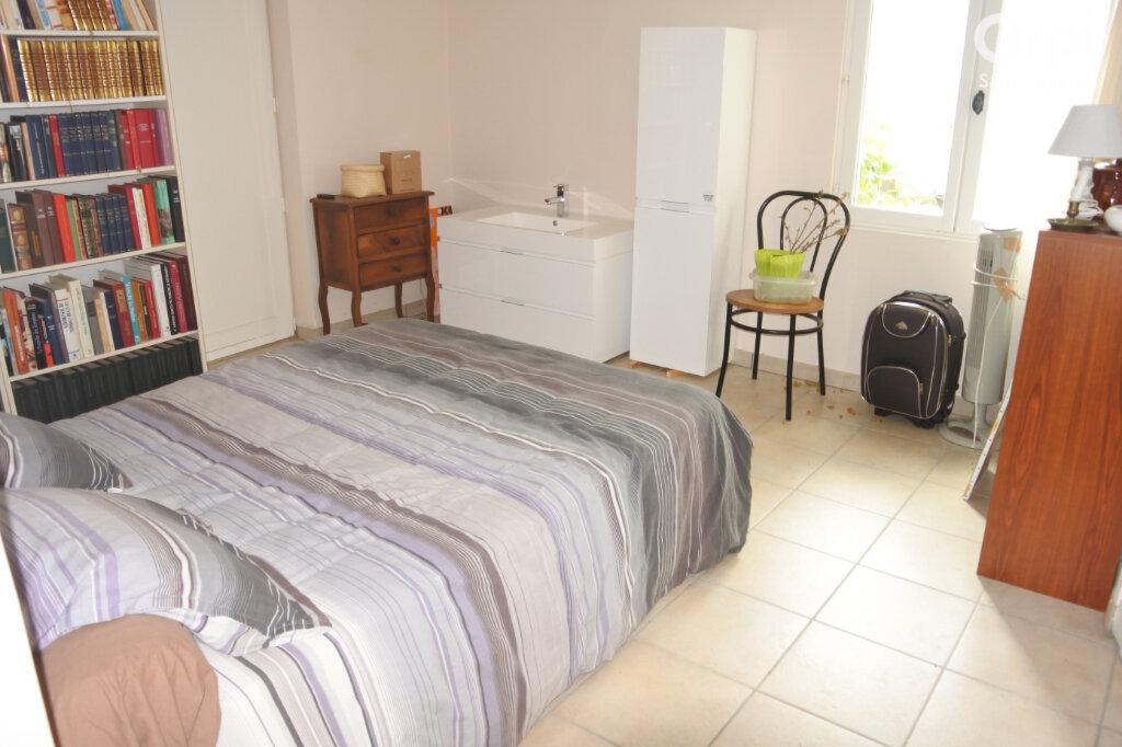 Maison à vendre 5 158m2 à Bourcefranc-le-Chapus vignette-11