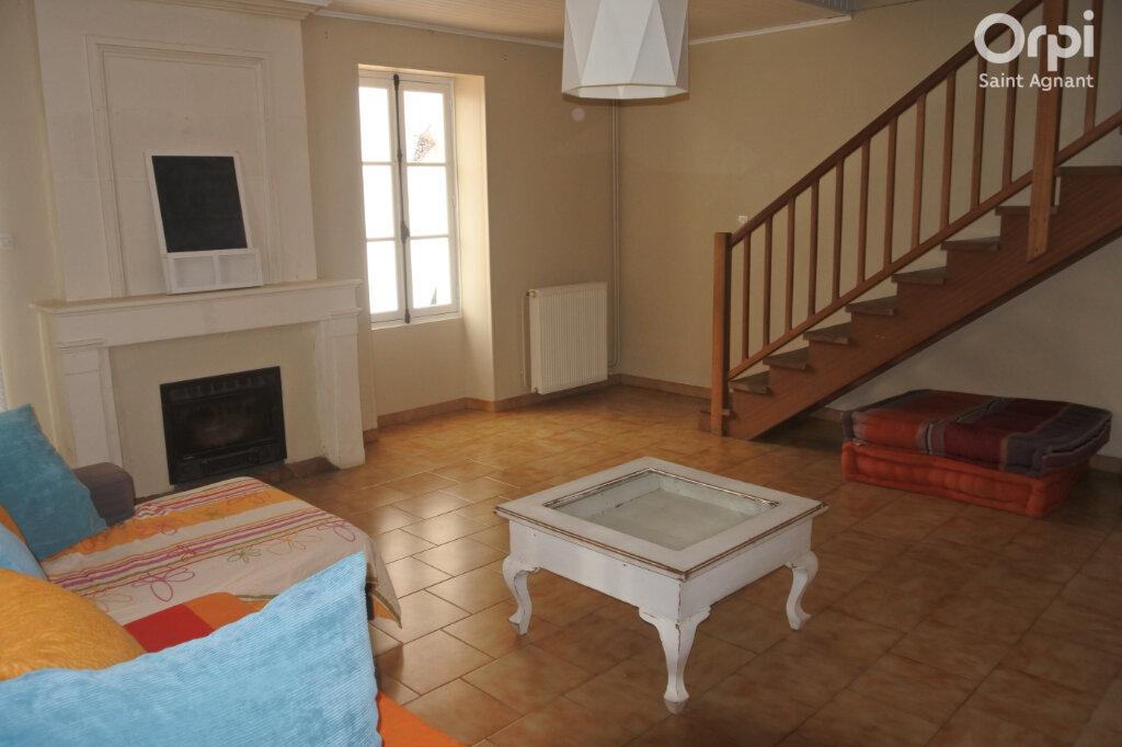 Maison à vendre 4 108m2 à La Gripperie-Saint-Symphorien vignette-4