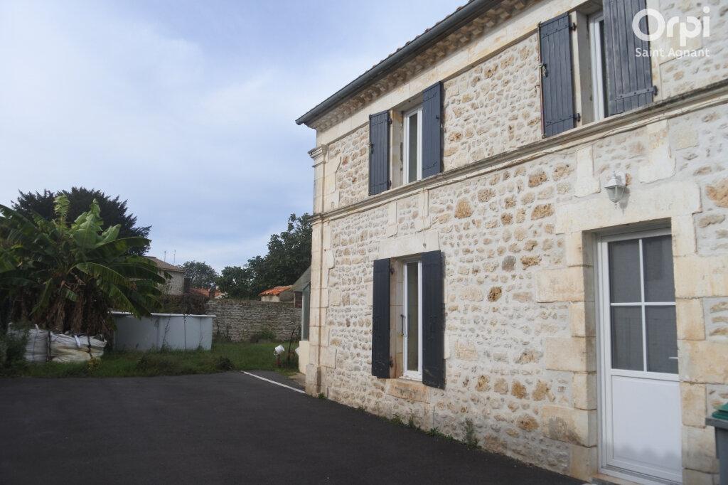 Maison à vendre 4 108m2 à La Gripperie-Saint-Symphorien vignette-9