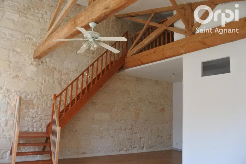 Appartement à louer 3 90m2 à Saint-Agnant vignette-2