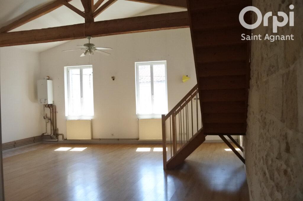 Appartement à louer 3 90m2 à Saint-Agnant vignette-6