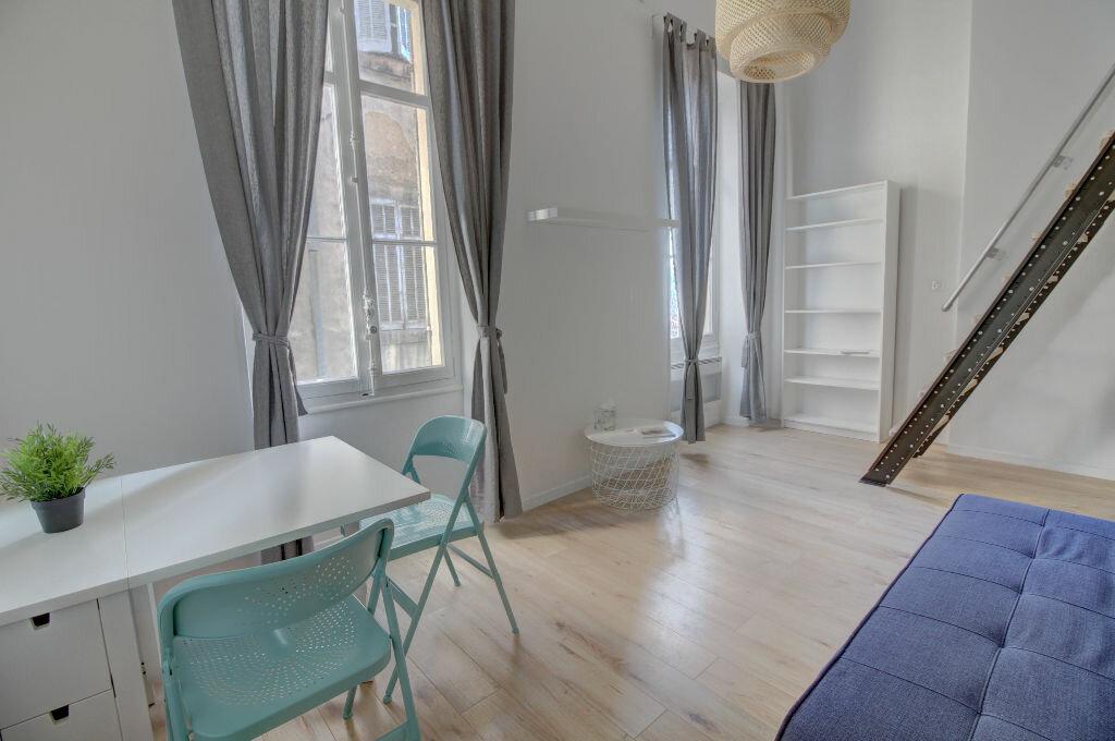 Appartement à louer 1 37m2 à Marseille 1 vignette-1