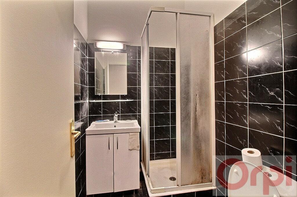 Appartement à louer 1 23.88m2 à Marseille 7 vignette-4