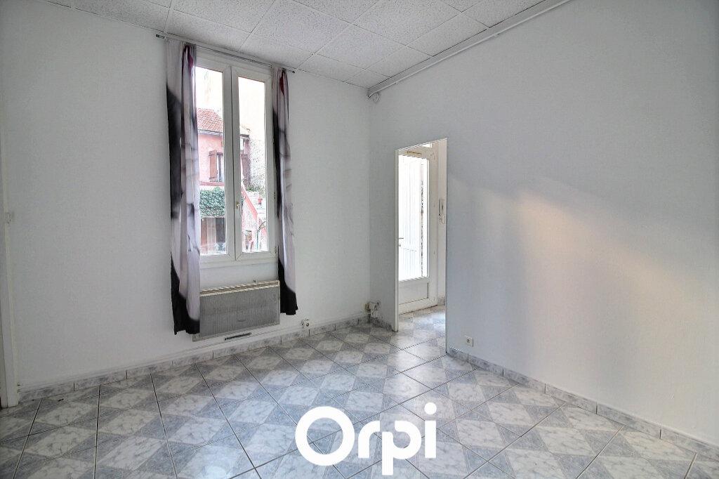 Appartement à louer 2 38.45m2 à Marseille 7 vignette-2
