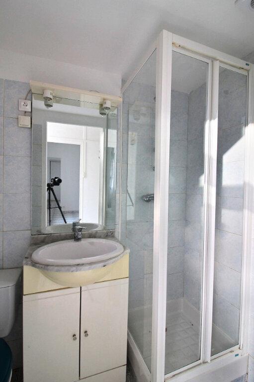 Appartement à louer 2 38.45m2 à Marseille 7 vignette-4