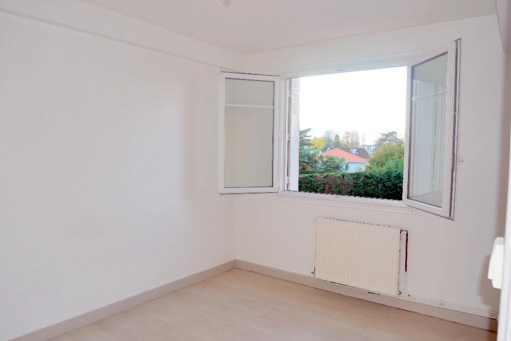 Appartement à vendre 4 61m2 à Pau vignette-2