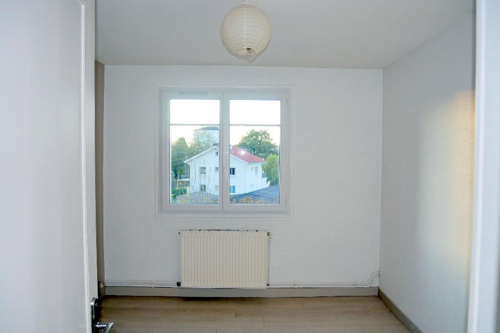 Appartement à vendre 4 61m2 à Pau vignette-3