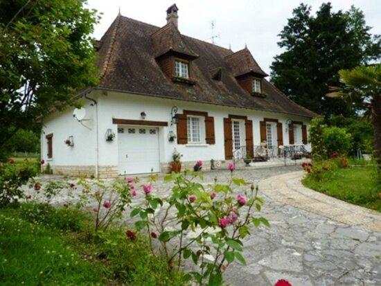 Maison à vendre 6 182m2 à Saint-Germain-du-Salembre vignette-1