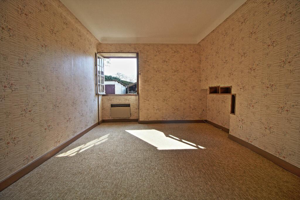 Maison à vendre 5 91m2 à Saint-Sernin-du-Plain vignette-4