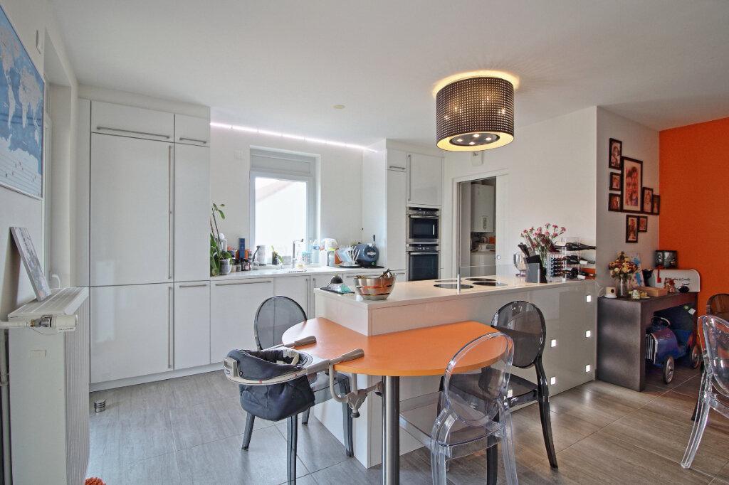 Appartement à vendre 4 115.36m2 à Chalon-sur-Saône vignette-4