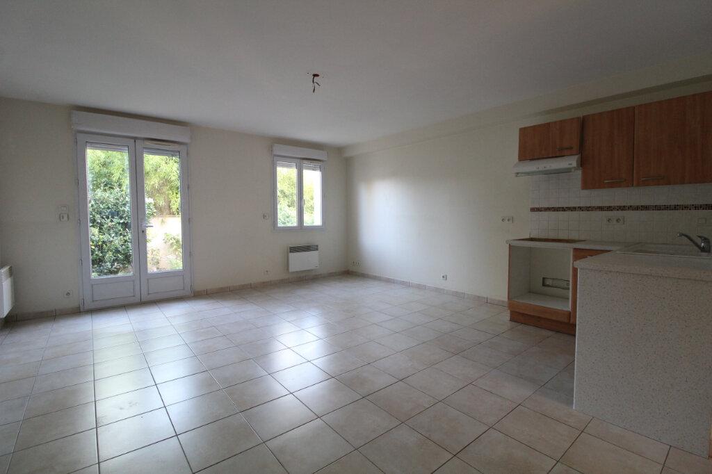 Appartement à louer 2 45.98m2 à Saulx-les-Chartreux vignette-1