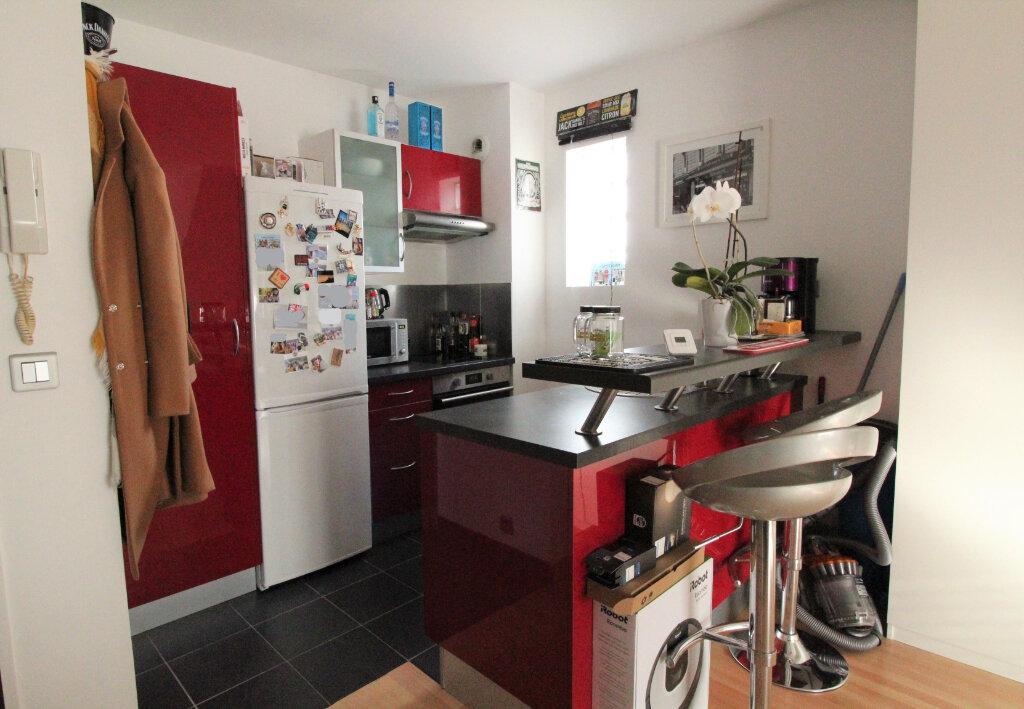 Appartement à louer 2 26.99m2 à Chilly-Mazarin vignette-1