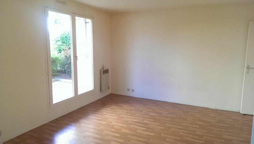 Appartement à louer 1 29.86m2 à Villebon-sur-Yvette vignette-1